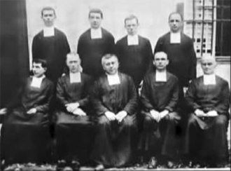 De La Salle Brothers Philippine District - The nine pioneer Brothers at Paco