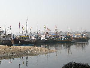 Versova, Mumbai - Image: Fishing Botes in Versova