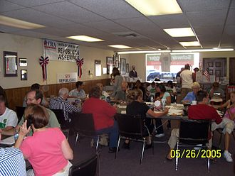 California Victory 2006 - Volunteers making phone calls in the Santa Clarita Victory Center