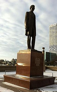 That Large White Sculpture In Milwaukee >> Abraham Lincoln Cecere Wikipedia