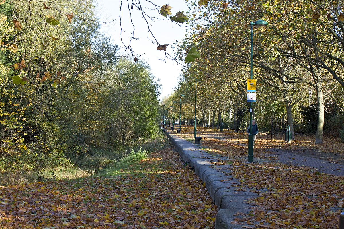 Russia dock woodland wikipedia for Soft furnishing wikipedia