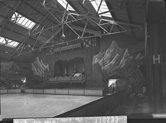 Sydney Glaciarium - The interior of the Sydney Glaciarium, May 1940. State Library of New South Wales