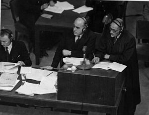 David Maxwell Fyfe, 1st Earl of Kilmuir - Sir David Maxwell Fyfe (centre) and an unknown prosecutor at the Nuremberg trials