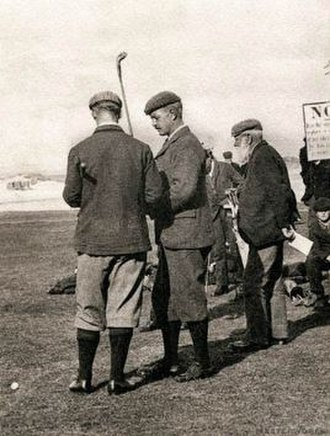 Frederick Guthrie Tait - Tait (back turned) with Edward Blackwell (center) and Old Tom Morris (right), 1899 at St Andrews, Scotland