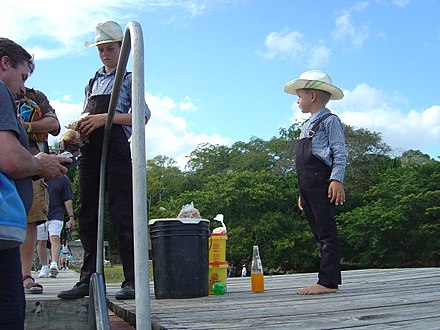 Mennonites of German descent in Belize Menonite Children.JPG