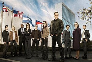 24 (season 8) - Season 8 main cast: (from left to right) John Boyd, Katee Sackhoff, Mykelti Williamson, Mary Lynn Rajskub, Freddie Prinze Jr., Annie Wersching, Kiefer Sutherland, Anil Kapoor, Cherry Jones, and Chris Diamantopoulos