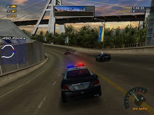 Need for Speed: Hot Pursuit 2 - The player in pursuit of a speeder, having called for backup in the form of an additional police unit.