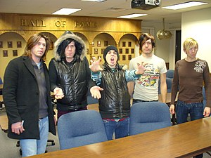 Family Force 5 - From left to right: Joshua, Jacob, Soul Glow Activatur, Nathan, Derek
