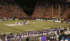 2007 Hawaii Bowl - Image: Winner 41 38