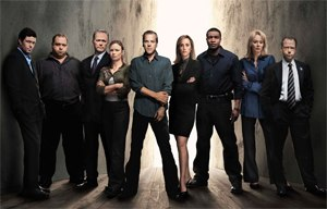 24 (season 5) - Season 5 main cast: (from left to right) Carlos Bernard, Louis Lombardi, James Morrison, Mary Lynn Rajskub, Kiefer Sutherland, Kim Raver, Roger Cross, Jean Smart, and Gregory Itzin