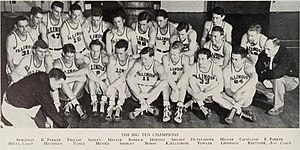 1942–43 Illinois Fighting Illini men's basketball team - Image: 1942–43 Illinois Fighting Illini men's basketball team