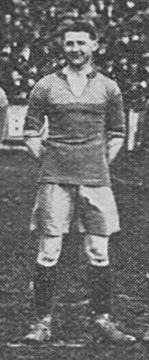 Alf Amos - Amos lining up for Brentford in 1919.