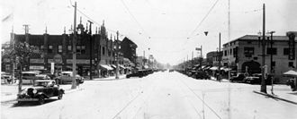 Larchmont, Los Angeles - Larchmont Blvd., looking south (circa 1920–25)