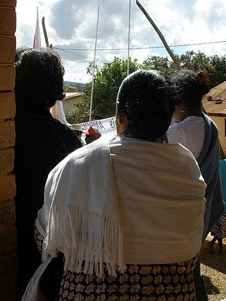 Lamba (garment) - Merina woman in a white lamba