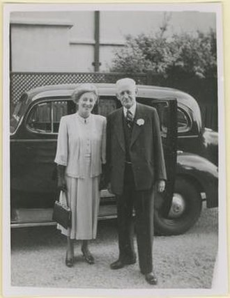 John Andrew Tennant Mortlock - Dorothy and John Mortlock, possibly at the time of their marriage in 1948.