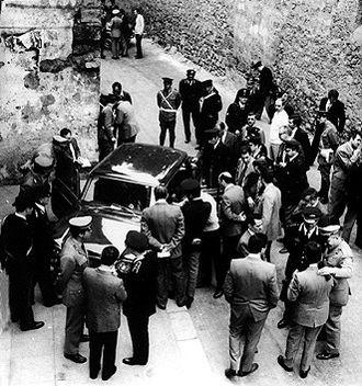 Pietro Scaglione - Police at the location where Scaglione and Lo Russo were murdered