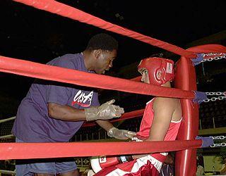 Cornerman Coach in fighting sports