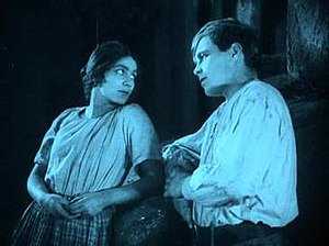 The Treasure (1923 film) - Lucie Mannheim and Hans Brausewetter
