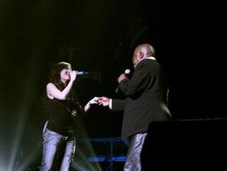 """Jane Zhang - Zhang and Gavin Christopher performing """"I'll Be There"""" in Pasadena, March 2007"""