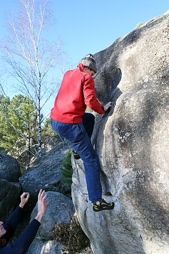 Fontainebleau rock climbing - Climbing and spotting in Bleau (95.2 area in les Trois Pignons)
