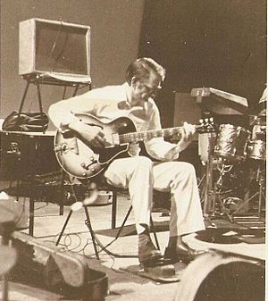 Derek Bailey (guitarist) - Derek Bailey performing at the ICA Company Week, 1978