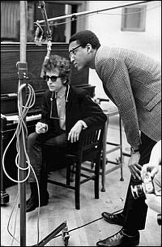 "Tom Wilson (record producer) - Tom Wilson (right) with Bob Dylan (left), recording ""Like a Rolling Stone"", 1965"