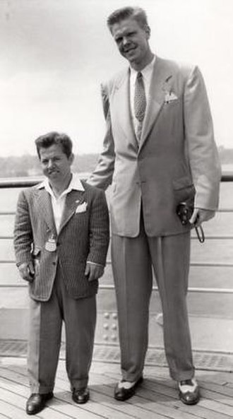Bob Kurland - Joseph DePietro (left) and Bob Kurland on the way to the 1948 Olympics