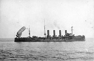 Russian cruiser Rossia - Rossia and her observation balloon