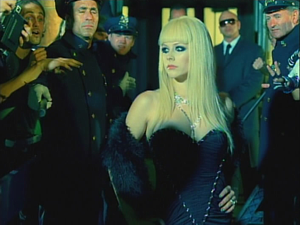 Avril Lavigne Hot video screen shot