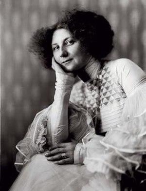 Emilie Louise Flöge - Emilie Louise Flöge, studio of Madame D'Ora-Benda, Vienna, 1909.