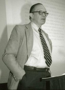 George Armitage Miller speaking at the first APS convention in 1989.jpg