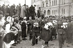 Metodija Andonov-Čento - Metodija Andonov-Čento greeted in Skopje after the National Liberation War of Macedonia in 1944.
