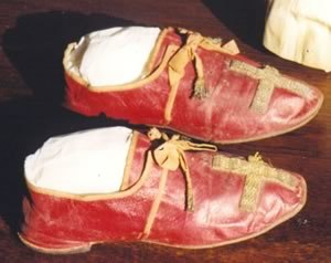 Papal shoes - Papal shoes of Pope Pius VII (1808)