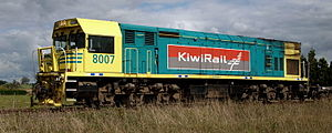 "New Zealand DX class locomotive - DXR 8007 with KiwiRail logo, 2009. Note the MkII ""Universal Cab"" as originally fitted to DXR 8022"