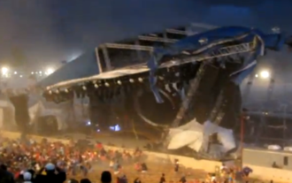 Indiana State Fair stage collapse - Image: Indiana State Fair stage roof mid collapse