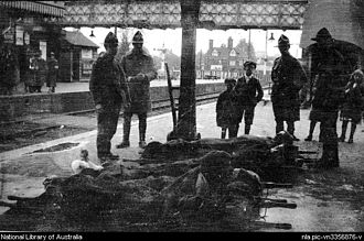Brockenhurst - Wounded New Zealand soldiers on station platform at Brockenhurst between 1917–19