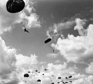 1st Battalion, Parachute Regiment - Parachute training, 1942