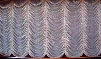 Front curtain - An Austrian curtain.