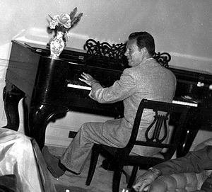 Irving Gordon - Irving Gordon, ca 1950