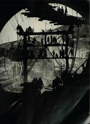 Howard Sochurek - Howard Sochurek (1953) India: Willing hands bring progress. Image included in 'The Family of Man' exhibition and publication.