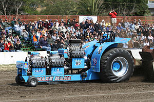 Tractor pulling - Modified tractor with 3 1500hp V8-engines