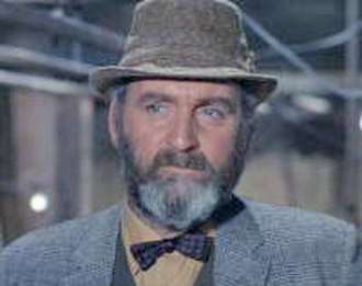 Bernard Quatermass - Andrew Keir as Quatermass in the Quatermass and the Pit (1967) film.
