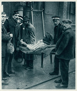 Darwan Singh Negi - Image from The Illustrated War News of December 23, 1914 showing the injured Negi being carried into the Royal Pavilion, Brighton then in use as a hospital for wounded troops.