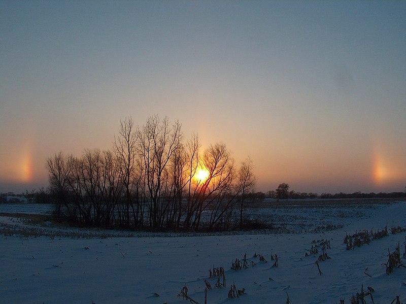 800px SunDog 3 Matahari pernah terlihat di bumi ( sundog )