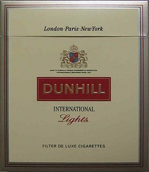 Dunhill (cigarette) - Image: Dunhill International Lights cigbox