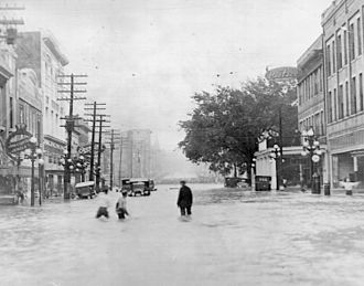 April 16, 1921 flood on Town Creek, a tributary of the Pearl River in Jackson. The photo is a view of East Capitol Street looking east from North Farish Street. TownCreekMississippi1921.jpg