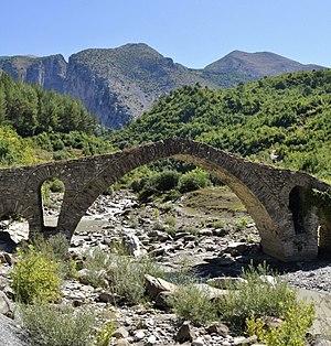 Skrapar - Image: Urë Kasabashi Çorovodë