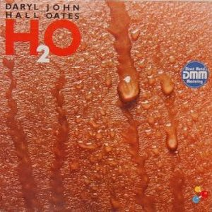 H2O (Hall & Oates album) - Image: Hall & Oates H2O vinyl album cover