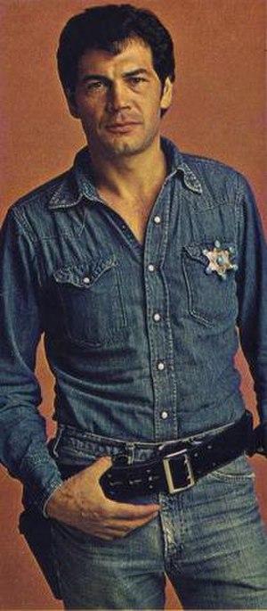 Nakia (TV series) - A promotional photo of Robert Forster as Deputy Nakia Parker in Nakia.