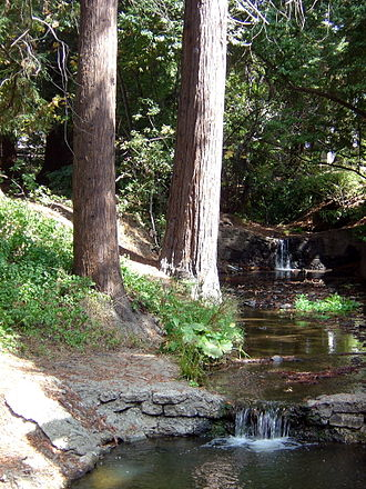 The south fork of Strawberry Creek, as seen between Dwinelle Hall and Lower Sproul Plaza. Strawberry Creek near Dwinelle Hall.jpg